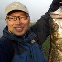 今朝、多摩川でスズキを釣り上げました。