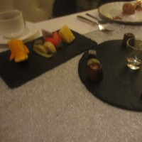 焼き菓子とフルーツ
