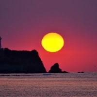大王埼灯台の朝陽 (志摩・船越)