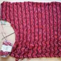【毛糸だま173号】横編みプルオーバー編み途中2
