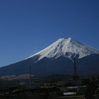 2017年2月3日ふれあいネットでのダイヤモンド富士の撮影会に参加、浅間茶屋で昼食して富士浅間神社へ参拝後、西湖いやしの里根場でも撮影し、本日の目的地、山中湖でのダイヤモンド富士の撮影です。