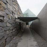 ピラミッドへの入口