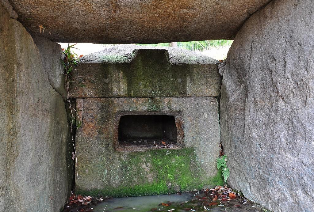 お亀石古墳石棺