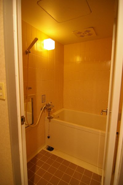 リフォーム前後の浴室の写真