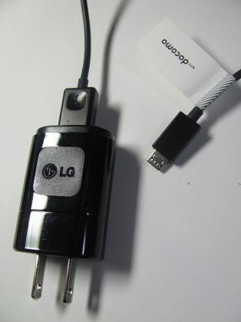 ACアダプタ L03とUSB接続ケーブルL02