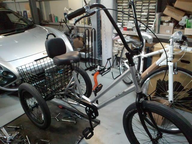 自転車の 自転車 三輪 前 : 三輪自転車(前2輪タイプ or ...