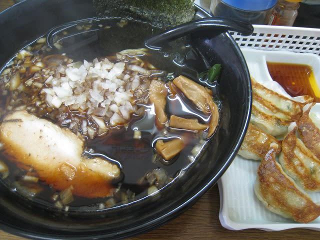 黒ラーメン+野菜餃子