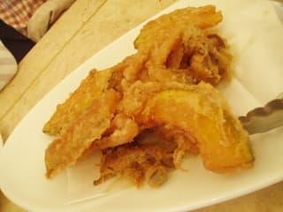 お昼も食べたので、お魚のフリッタはパス