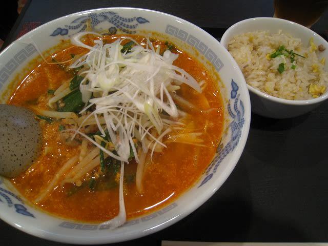 日替わりランチAセット(担々麺+半炒飯)