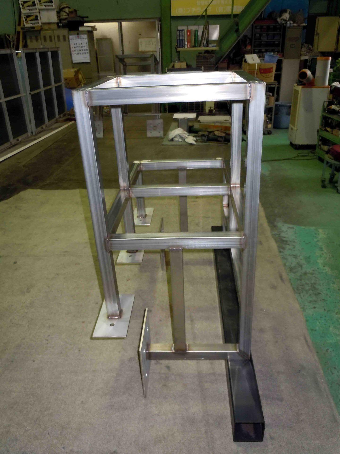 ステンレス・スチール・アルミの金属加工案浦製作所