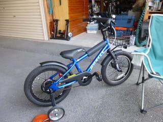 自転車の 子供 自転車 補助輪 外し方 : 子供自転車 補助輪の取り外し ...