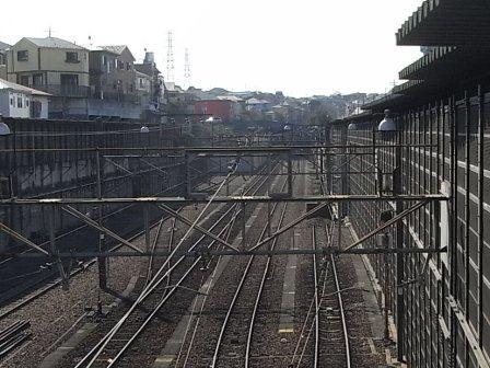 貨物線は、この先の大部分がトンネルで、東戸塚駅付近で東海道線と合流しま... 「神奈川東部方面線