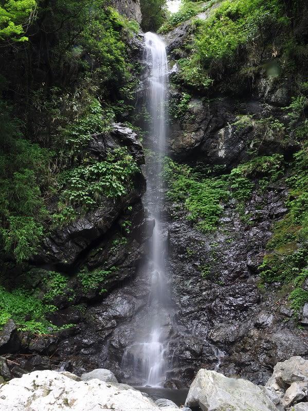 篠原宮の滝下段