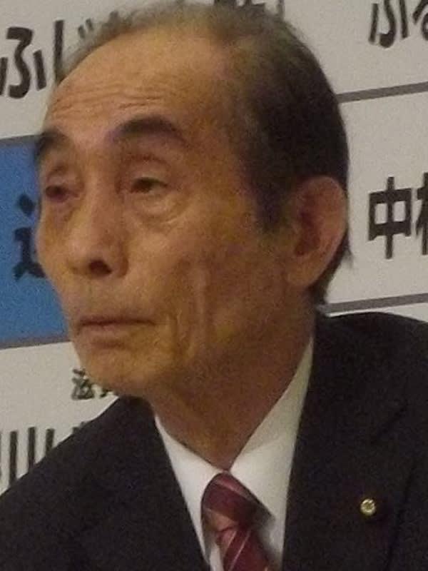 [写真]民主党・新緑風会会長の輿石東さん、筆者撮影。 逃げました、逃げ... 安倍首相、参予集中