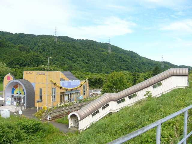 津軽今別駅から津軽二股駅を望む