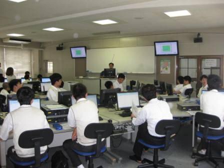 KCS福岡情報専門学校画像