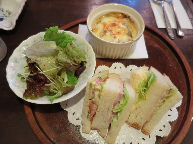 日替わり(カレードリアとサンドイッチ)