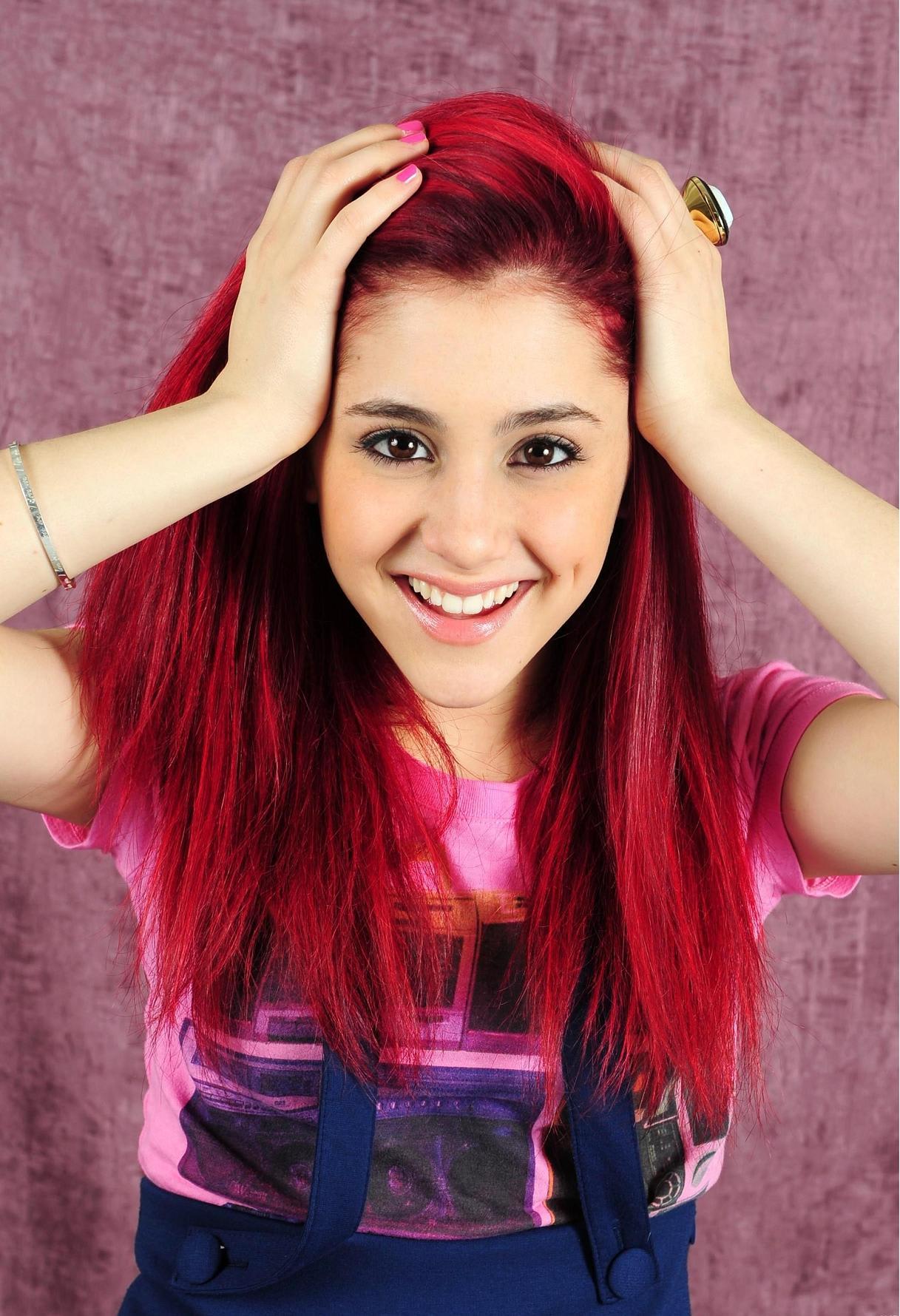 Blog de la Tele: Ariana Grande festeja el Orgullo GAY en