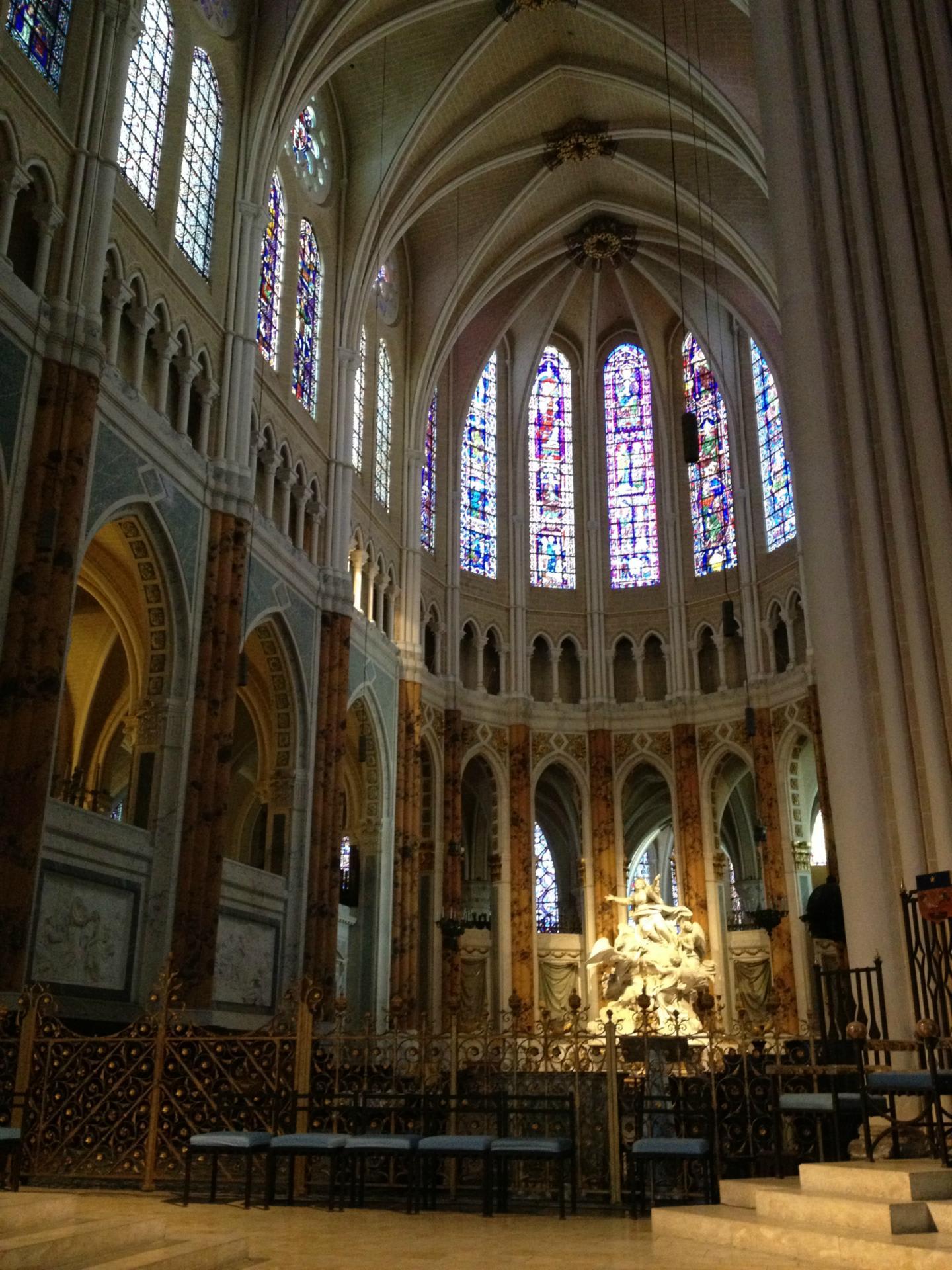 シャルトル大聖堂編、もう少し続きます。 再び、フランスから!