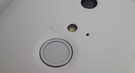 ARROWS NX(F-01F)の指紋センサー
