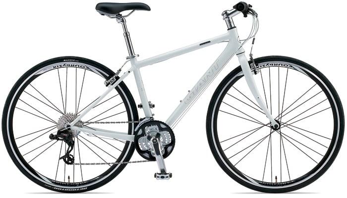 自転車の 自転車 交通費 : GIANT ESCAPE R3(GIANT HP より拝借)