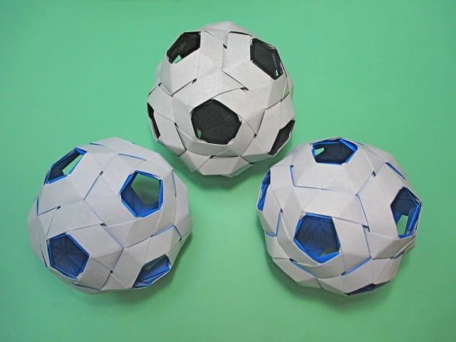 すべての折り紙 折り紙で箸袋 : 折り紙ころころサッカーボール ...
