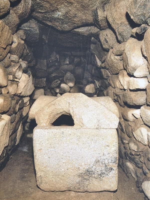 市尾墓山古墳石棺