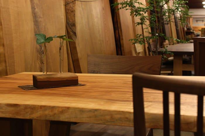 栃(とち)一枚板テーブルイメージ
