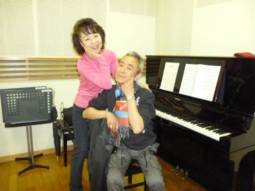 ピアニストTAKERUとの目面しいツーショット。 毎週木曜日青葉台スク...  初美のエレガンス
