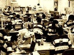 ラガーシャツで勤務する東大阪市役所職員ら