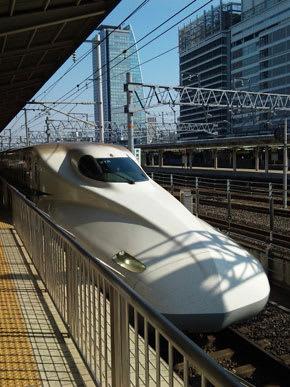 名古屋駅に入線するN700系のぞみ号