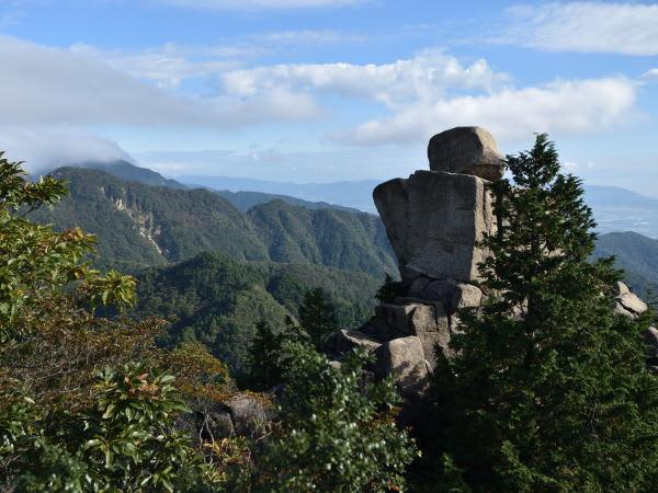 御在所岳中道・地蔵岩
