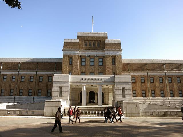 東京国立科学博物館は国立では唯一の科学博物館です。 展示は昭和初期の堂々とした建物の日本館と近年に完成した地球館から成っています。