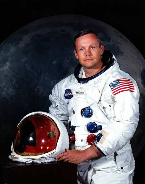 Neil_armstrong_the_first_man_to_wal