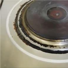 コンロ周りの頑固な油汚れ、劇的に落とすにはアルミホイル 動画