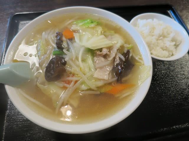 日替わりランチB(野菜タンメン+半ライス)