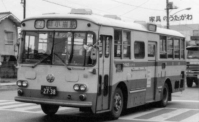 東京駅八重洲通り発-越谷・草加着の高速バス・夜 …