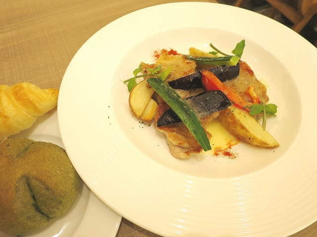 若鶏と彩り野菜のグリル