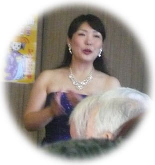 メゾソプラノの佐藤典子さん、 透きとおった美しい声は、何回聞いてもいい... 佐藤典子さん、美し