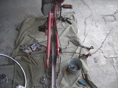 自転車のタイヤ交換 - 秘密基地 ...