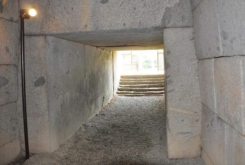 文殊院西古墳石室