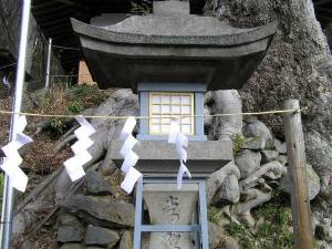 湯谷神社石灯籠