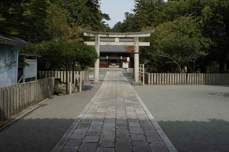 徳川家綱は、将軍在任中に大和の大神神社、京都の八坂神社、西宮神社など... 多田神社と徳川家との