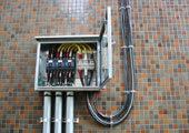電力線引込開閉器