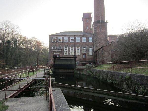 ダーウェント峡谷の工場群の画像 p1_19