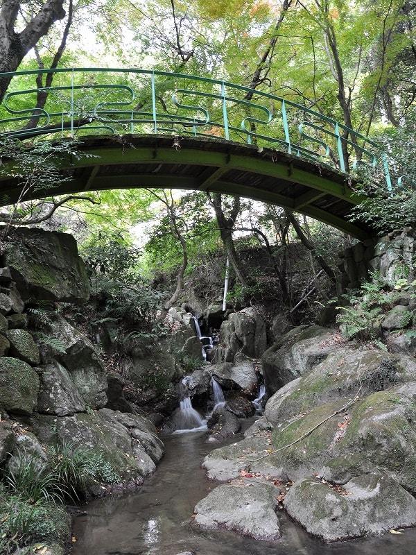 鳴川渓谷滝見橋