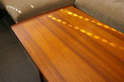 コーヒーテーブルのワックス塗装