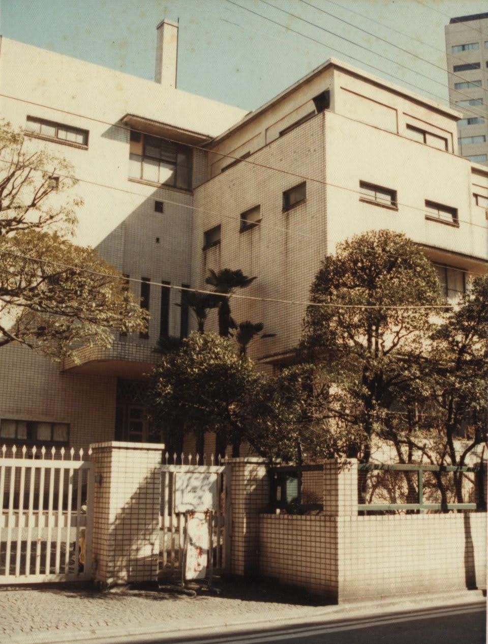 佐々木研究所。駿河台2-2。左 ...
