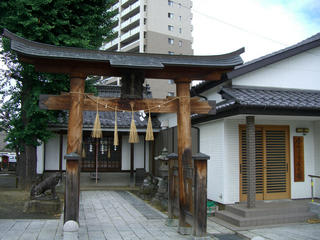 国府亘理神社と公民館
