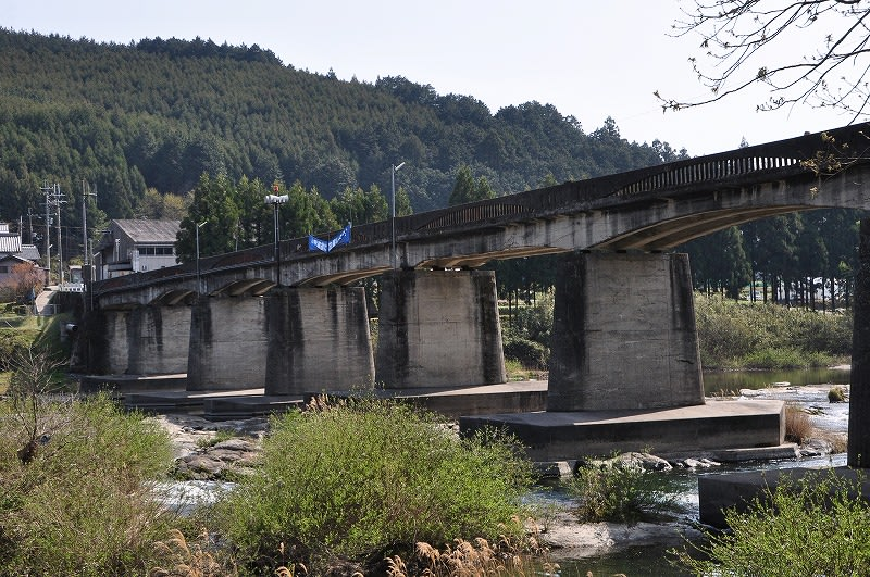 椿橋の橋脚